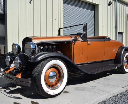 DT Vintage Chrysler 75 roadster hotrod